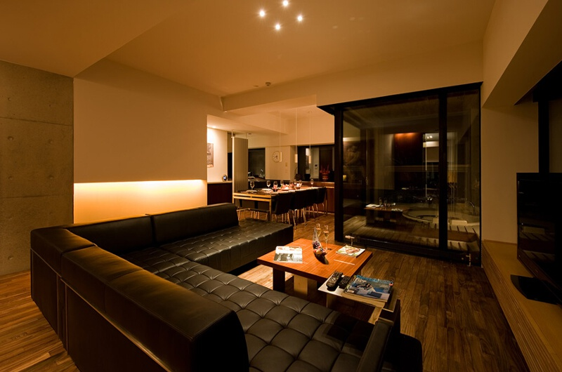 Shikaku Apartments Lounge Area with TV | Middle Hirafu