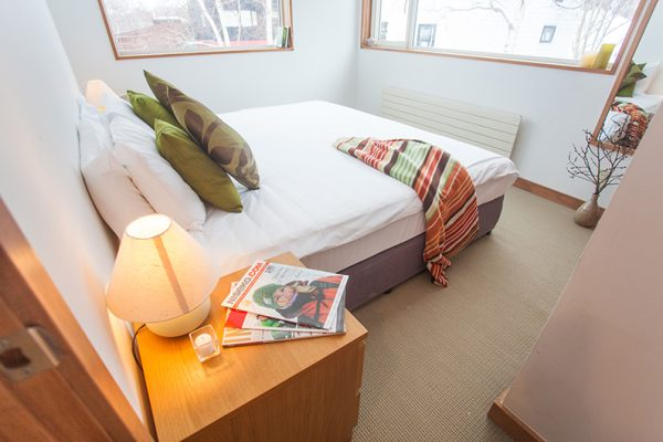 Shirokuma Chalets Bedroom | Middle Hirafu