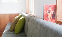 Shirokuma Chalets Sofa | Middle Hirafu