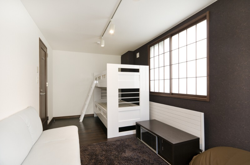 Sugarpot Bunk Beds with Sofa | Lower Hirafu