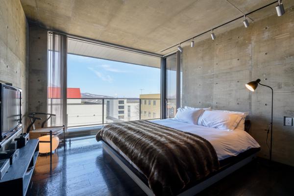 Suiboku Bedroom with Side Lamp | Upper Hirafu Village