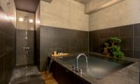 Suiboku Bathtub | Upper Hirafu Village