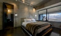 Suiboku Bedroom with Wooden Floor | Upper Hirafu Village