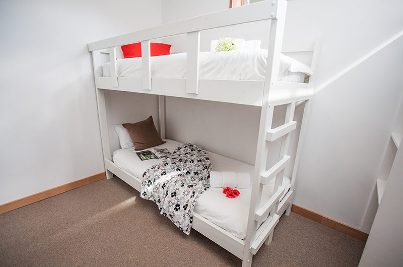 Itoku Bunk Beds | Middle Hirafu