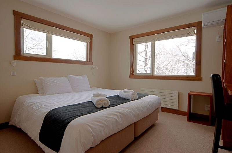 The Lodge Bedroom with Study Table | Upper Hirafu