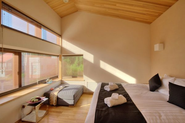 Tsubaki Bedroom with Seating Area | Lower Hirafu