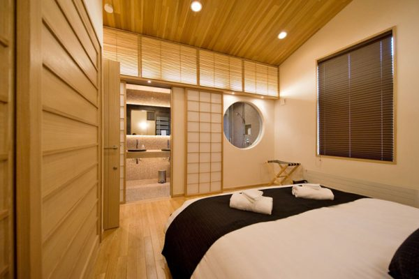 Tsubaki Bedroom and Bathroom | Lower Hirafu