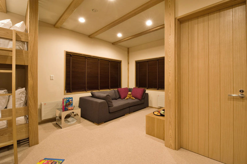 Tsubaki Bunk Room with Lounge | Lower Hirafu