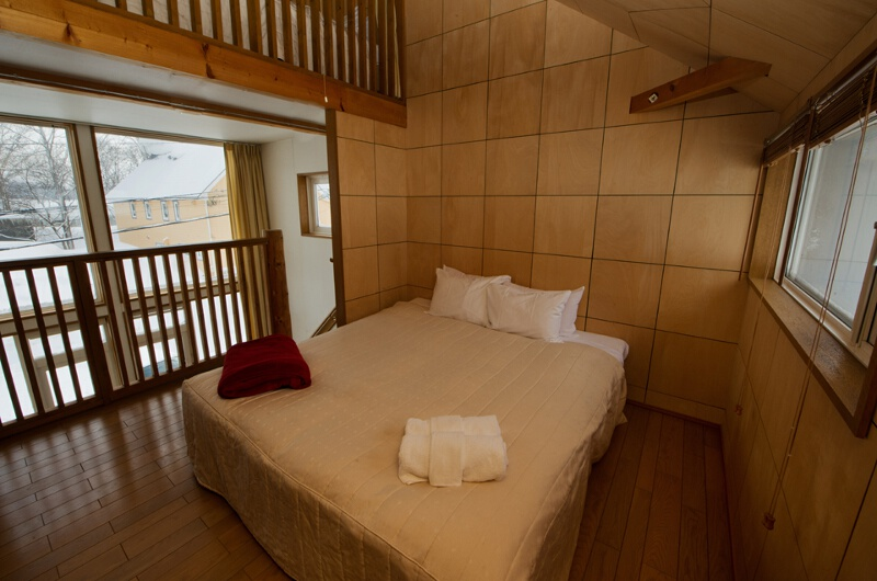 Yotei Cottage Bedroom with Outdoor View | Lower Hirafu