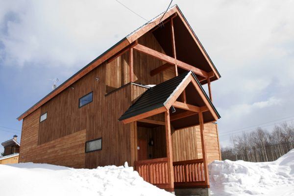 The Chalets at Country Resort Chuzenji Entrance with Snow | West Hirafu