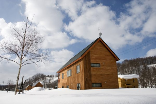 The Chalets at Country Resort Chuzenji Outdoor Area with Snow | West Hirafu