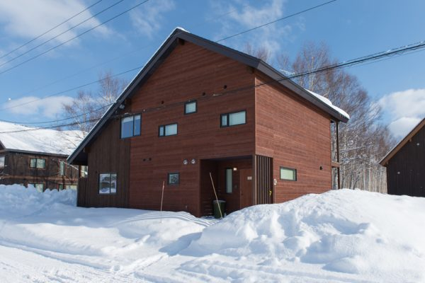 The Chalets at Country Resort Ninaru Outdoor Area with Snow | West Hirafu