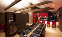 Akatsuki Kitchen and Dining Area with Crockery | Middle Hirafu Village