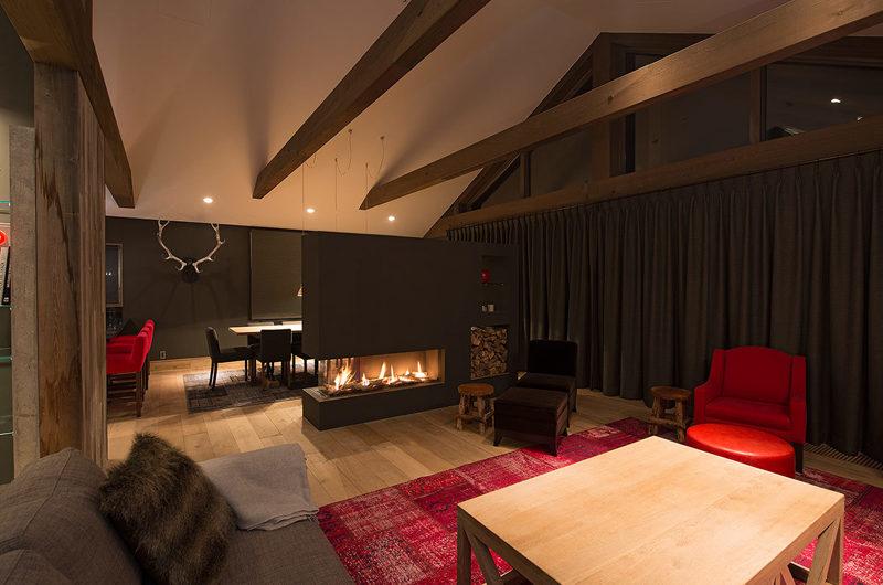 Akatsuki Living Area with Fireplace | Middle Hirafu Village