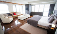 Alpen Ridge Bedroom with Seating Area | Upper Hirafu Village
