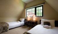Aspenwood Bedroom with Twin Beds | Lower Hirafu Village