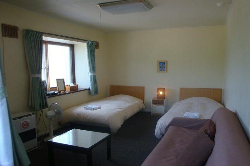 Black Diamond Lodge Twin Bedroom with Seating Area | Higashiyama