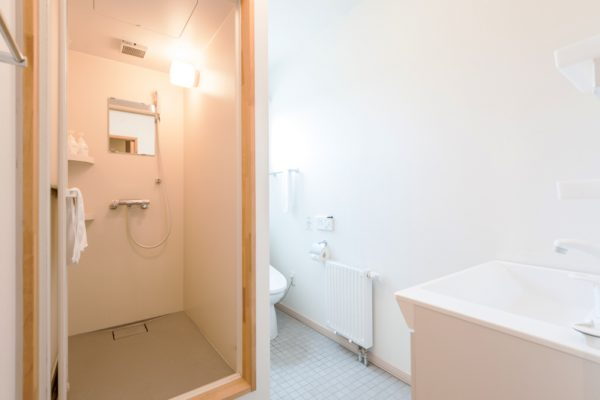 The Chalets at Country Resort Hamana Bathroom with Shower | West Hirafu