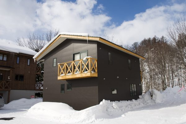 The Chalets at Country Resort Kamui Outdoor Area with Snow | West Hirafu