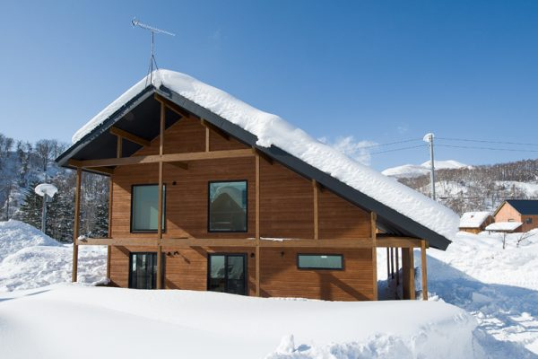 The Chalets at Country Resort Nakaumi Outdoor View with Snow | West Hirafu