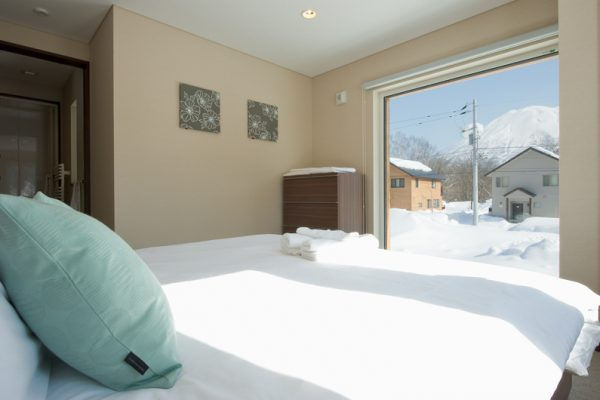 The Chalets at Country Resort Nakaumi Bedroom with Outdoor View | West Hirafu
