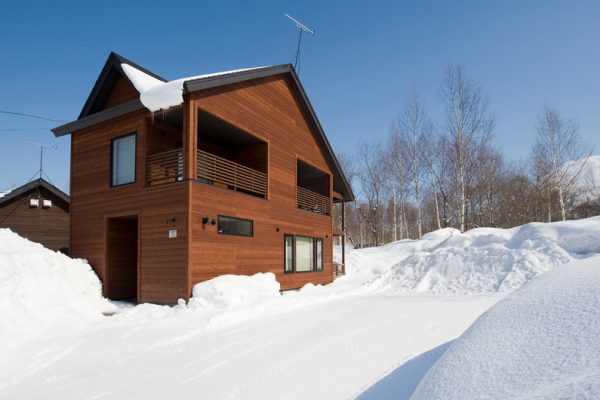 The Chalets at Country Resort Nosappu Outdoor Area with Snow | West Hirafu