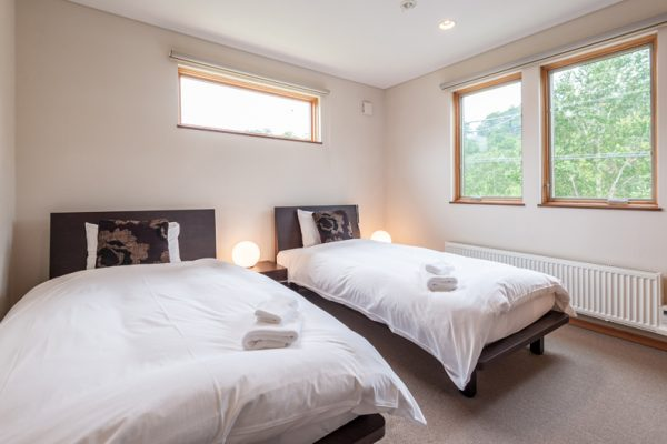 The Chalets at Country Resort Shiretoko Twin Bedroom | West Hirafu