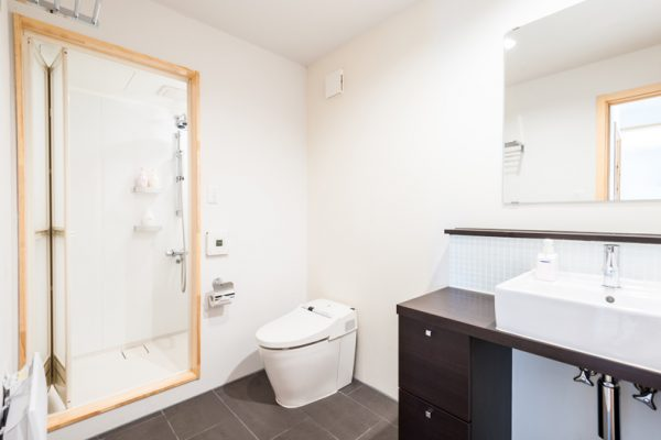The Chalets at Country Resort Towada Bathroom with Shower | West Hirafu