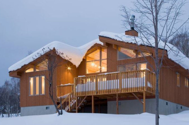 Creekside Outdoor Area with Snow | Annupuri