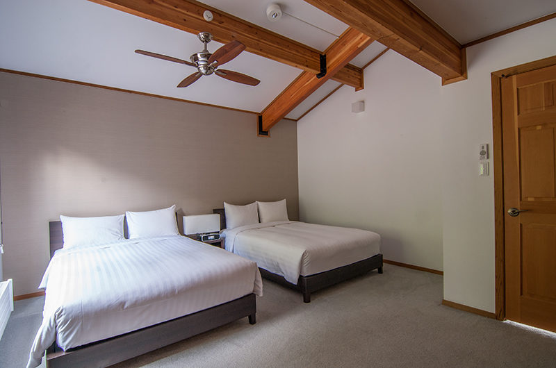 Creekside Twin Bedroom with Carpet | Annupuri