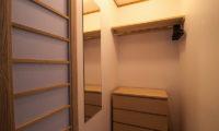 Creekside Dressing Room | Annupuri