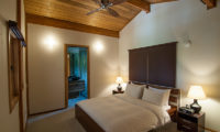 Creekside Bedroom with Table Lamps | Annupuri