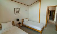 Creekside Twin Bedroom | Annupuri