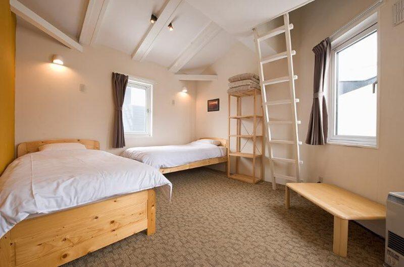 Downtown Lodge Twin Bedroom | Middle Hirafu