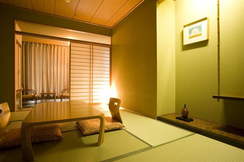 Hirafutei Prince Hotel Indoor Seating Area | Upper Hirafu