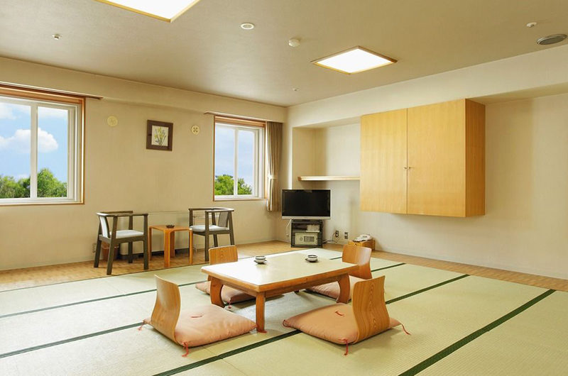 Hotel Niseko Alpen Japanese Style Room | Upper Hirafu