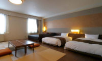 Hotel Niseko Alpen Deluxe Mixed Japanese and Western Style Room | Upper Hirafu