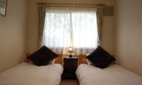 Lodge Mokoro Twin Bedroom | Annupuri