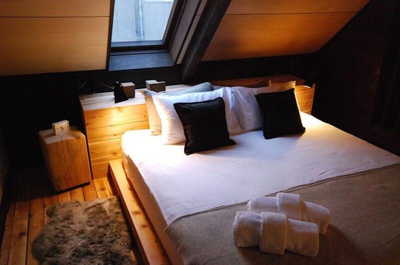 Momiji Lodge Bedroom | Middle Hirafu
