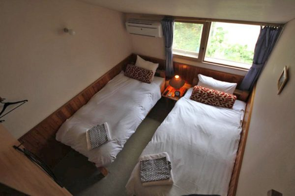 Moorea Lodge Twin Bedroom Top View | Middle Hirafu