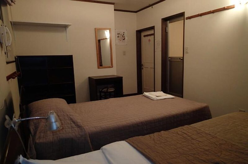 Niseko Club Twin Bedroom | East Hirafu