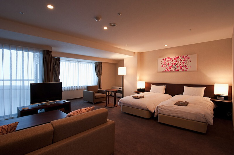 One Niseko Resort Towers Twin Bedroom with TV | Moiwa