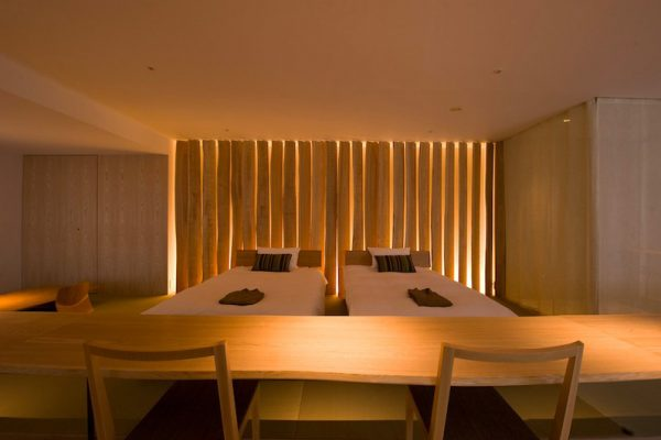 One Niseko Resort Towers Spacious Twin Bedroom | Moiwa
