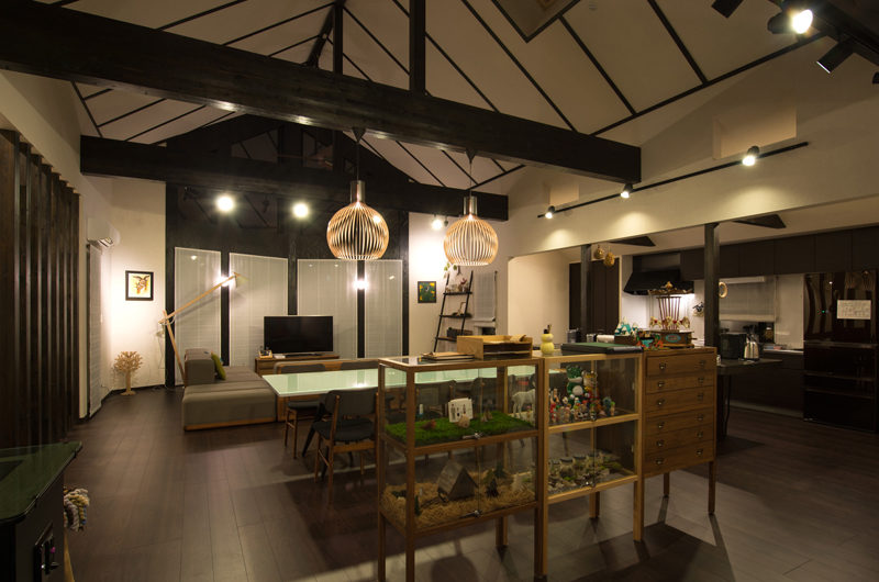The Orchards Niseko Comfort Living Area at Night | West Hirafu
