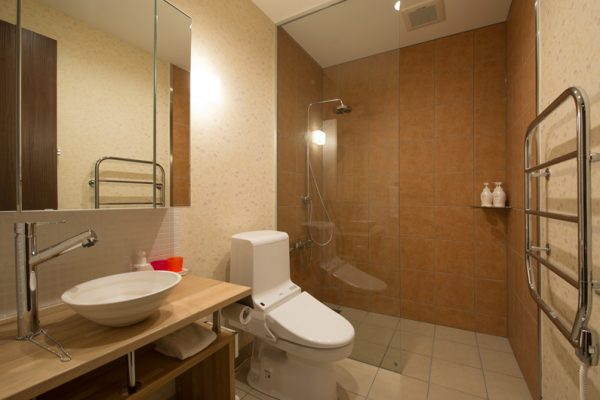 The Orchards Niseko Akagashi Bathroom with Shower | West Hirafu