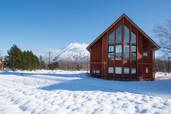 The Orchards Niseko Akagashi Outdoor Area with Snow and Mountain View | West Hirafu
