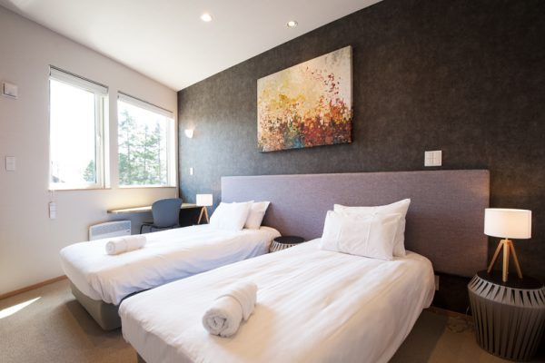 The Orchards Niseko Foxlodge Bedroom with Twin Beds | West Hirafu