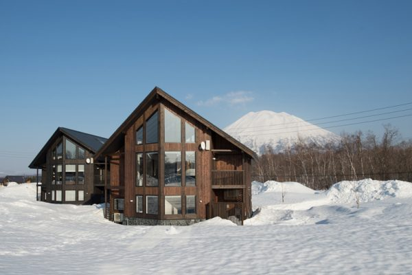 The Orchards Niseko Momiji Outdoor Area with Mountain View | West Hirafu