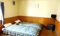 Pension Kanon Twin Bedroom | Middle Hirafu