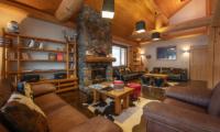 Shin Shin Living Area with Wooden Floor | Lower Hirafu